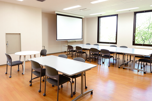 【Free lounge】<br>The free lounge is a room available for students anytime.